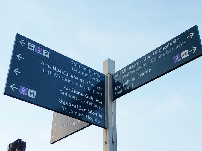 Dublin farà neteja de pals de senyalització sobrers