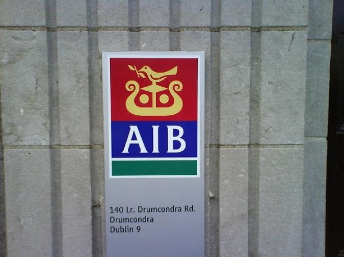 AIB acaba amb la banca gratuïta i sense comissions