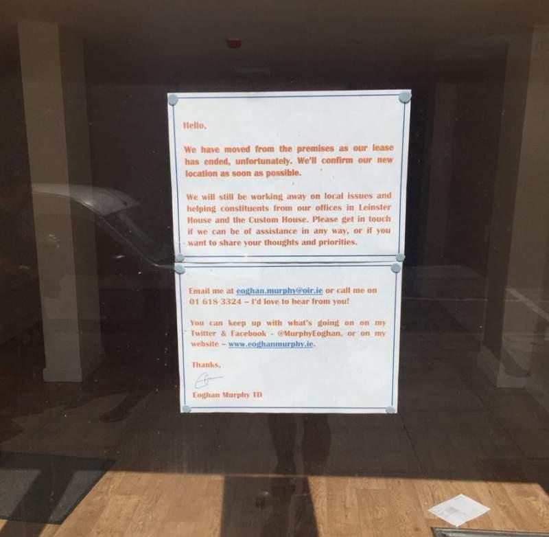 Ministre d'Habitatge sense oficina pel preu del lloguer