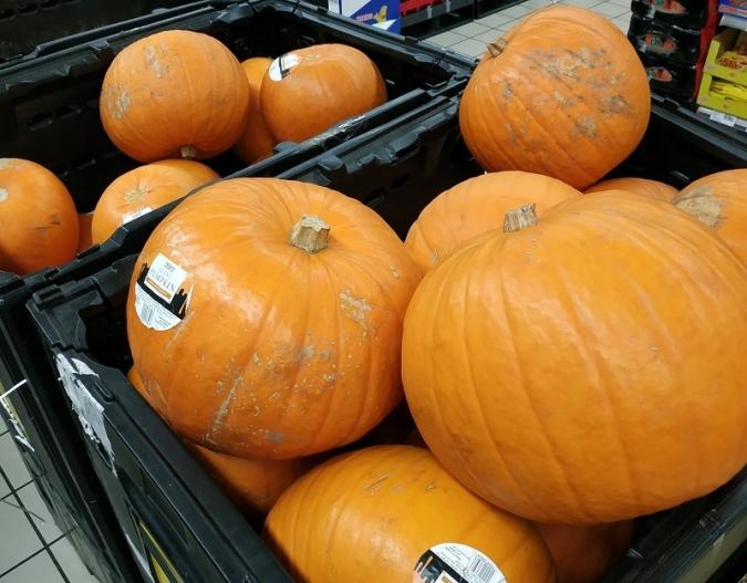 Trick-or-treaters, bombers anant de bòlit... Halloween!