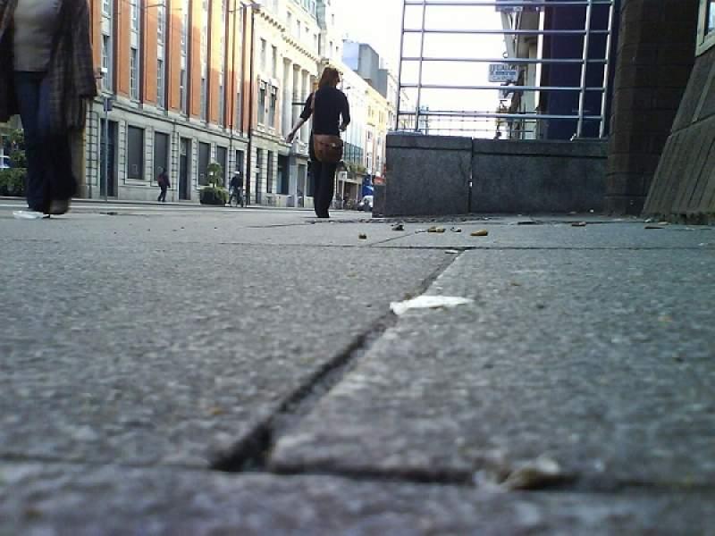 Dublin gastarà 1,6 milions per a netejar el terra de xiclets