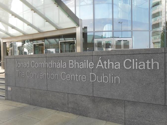 El Centre de Convencions no convenç com a Parlament
