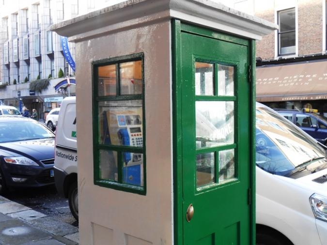 La cabina telefònica retro podria tornar a Parkgate St