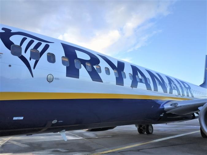 O'Leary s'estira i convida tot l'avió a doble ronda