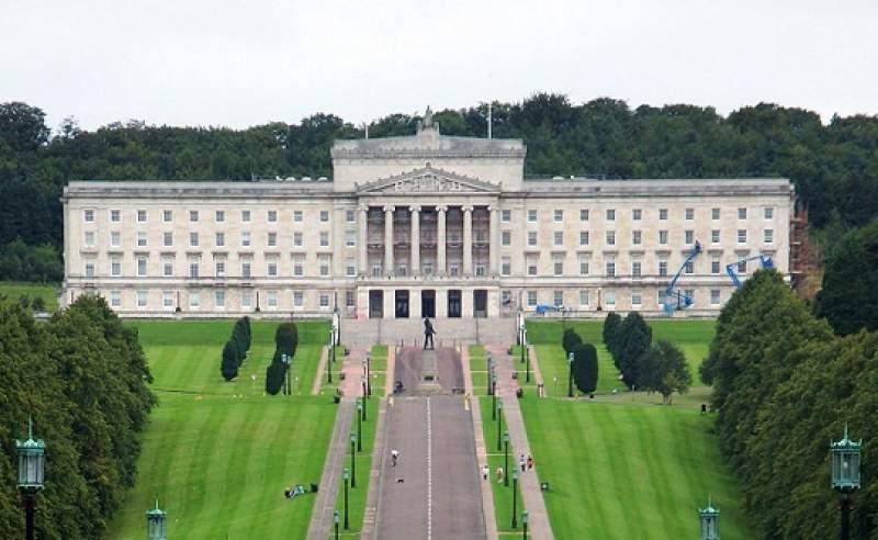 A Stormont no s'albira cap govern a curt termini