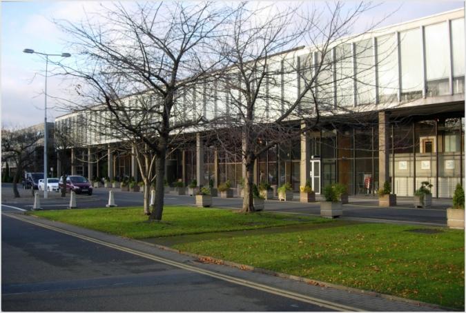 Volen que 5 edificis d'RTÉ siguin estructures protegides