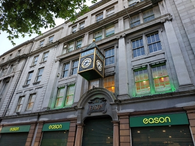 Sale and lease back amb l'edifici d'Eason a O'Connell