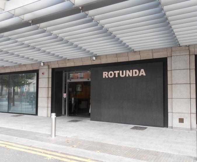 Els pares dels neonats treuen fum amb RTÉ i el Rotunda