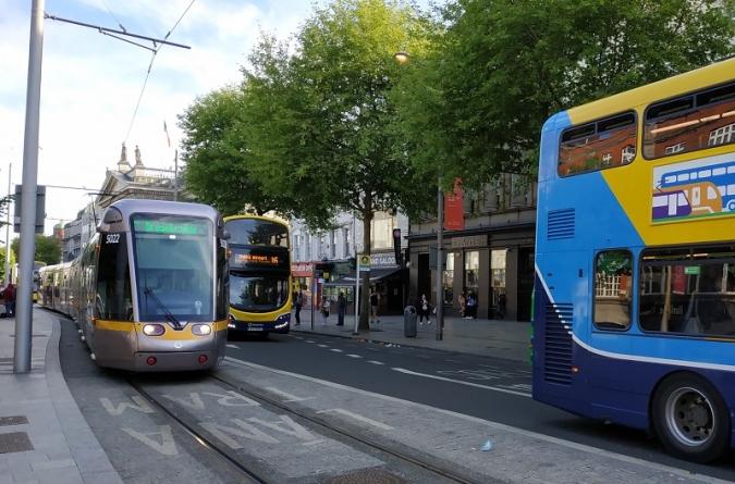 Un transport públic de franc milloraria el medi ambient