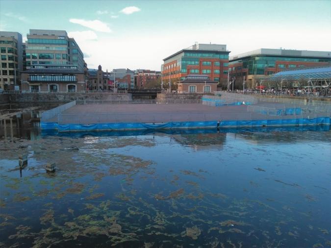 Llum verd al circuit d'aigües braves de George's Dock