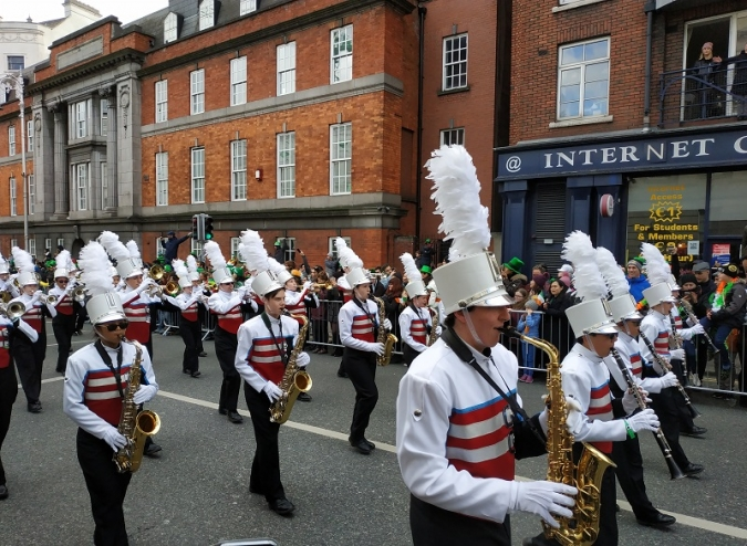 La desfilada de Sant Patrici atrau milers de persones